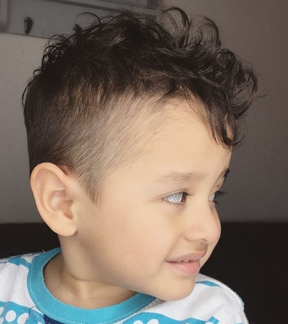 Natural Curls With High Fade