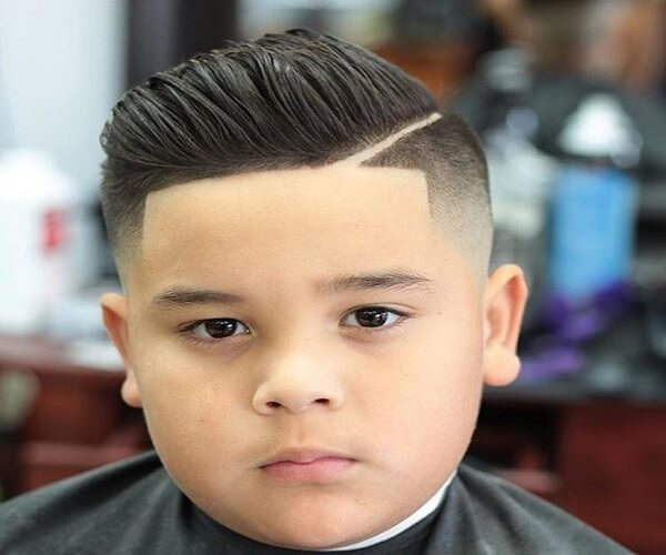 Disconnected Side Parted Hairstyle With Line Up