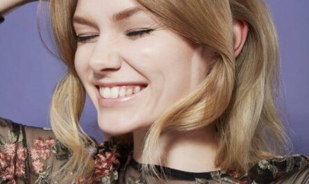 Chic And Stylish Beehive Hairstyle For A Perfect Party Look