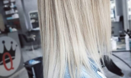 18 Hairstyles For Platinum Blonde Hair You Must Try In 2021