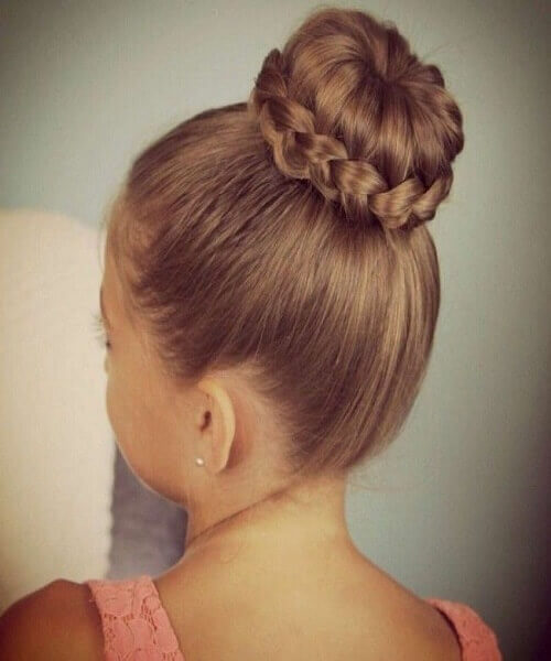 Easy Updo With Typical Bun And Braid