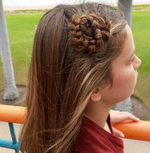 Elegant & Trendy Shoulder Length Hairstyles For Little Girls This Year