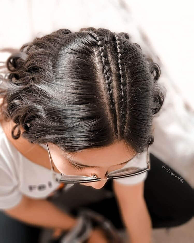 Center Parted Hair With Wavy Lengths