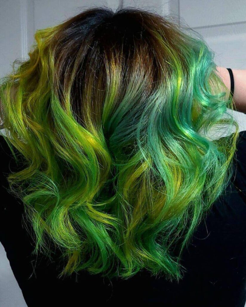 Short Wavy Hairstyle With Green Shades